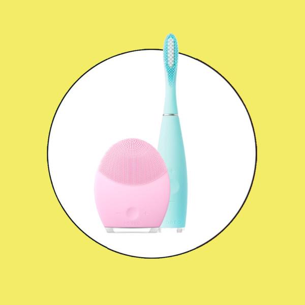 Tür 22: Gesichtsreinigungsbürste und Sonic-Zahnbürste von Foreo