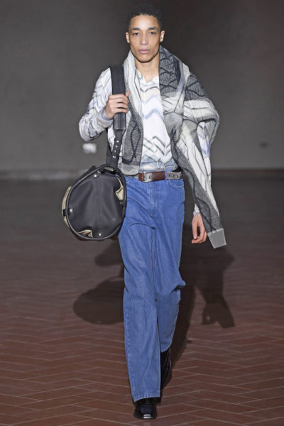 Breitcordhose bei der Y/Project Fashion Show