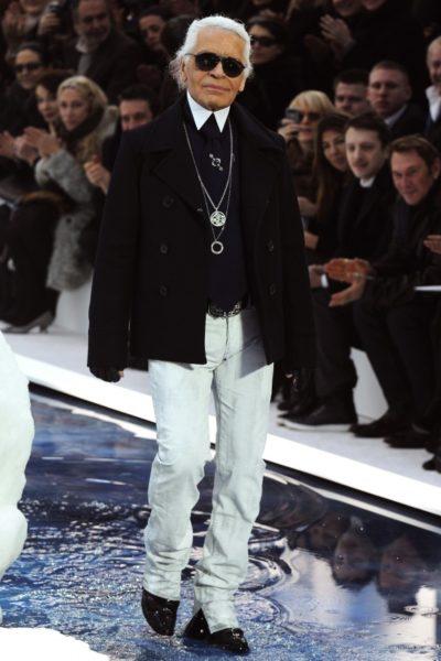 Karl Lagerfeld bei seiner Präsentation für Winter 2010