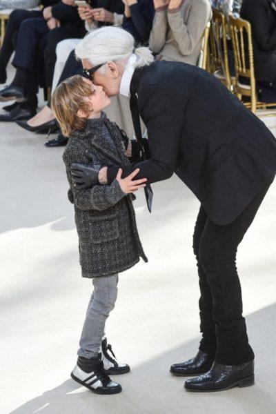 Karl Lagerfeld mit seinem Patenkind im Winter 2016