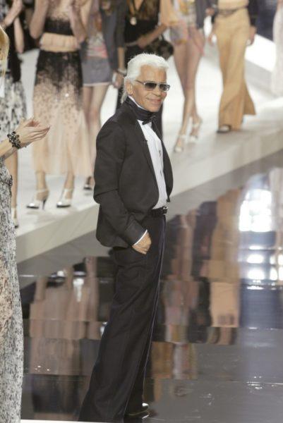 Bei seiner Chanel-Präsentation für 2003