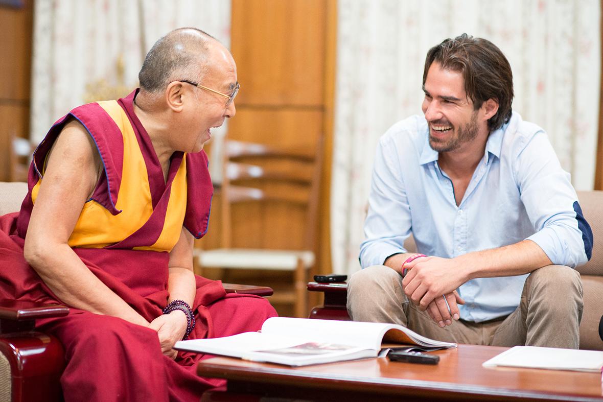 York Hovest mit dem Dalai Lama Modepilot