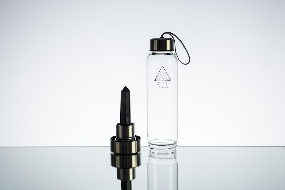 Modepilot Kristallflasche schwarzer Stein