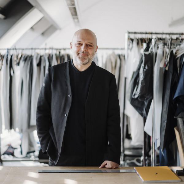 Mode News: Designer Hussein Chalayan an deutscher Hochschule